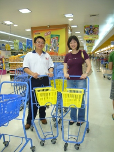 Last minute shopping for Malaysia shoppers